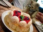 07ケーキを狙うくまっちょ.jpg