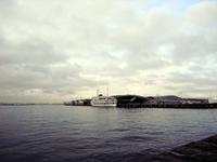 17大桟橋と客船.jpg